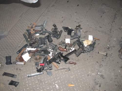 Працівники міліції знищували зброю